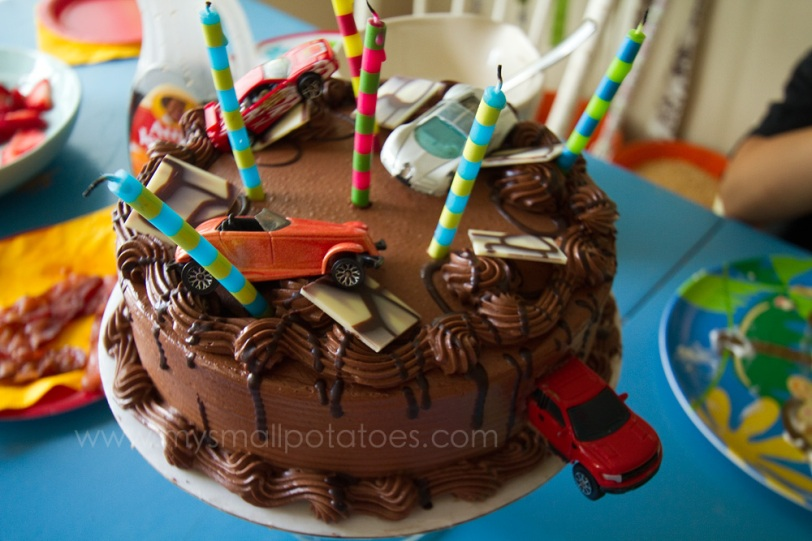 A Race Car Birthday Party On A K Car Budget Small Potatoes